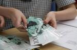 How many $100 notes Bev Dunbar Maths Matters